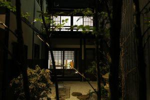 雅樂庵の庭 夜