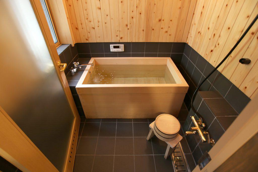 京町家の宿 貸し切り風呂 檜風呂